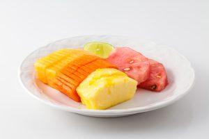 Plato de frutas mixtas
