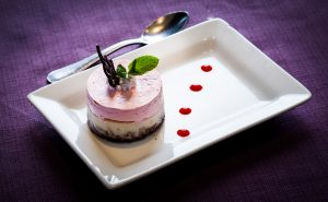 Mousse de chocolate blanco con fresa